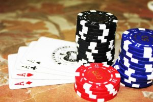 Making Use of Common Online Poker Strategies to Build Your Bankroll
